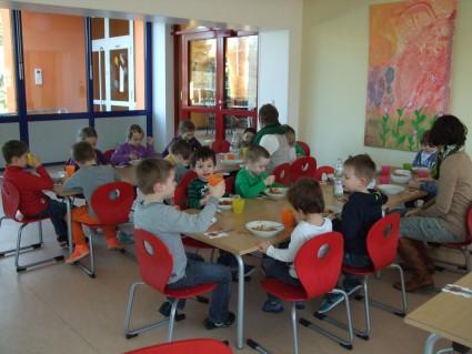 Gemeinsame Mensa von Kita und Grundschule